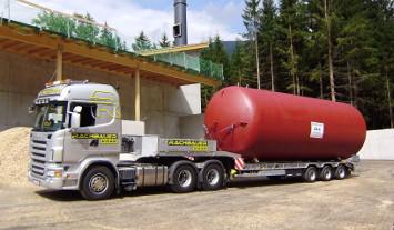 Sondertransport Tieflader mit Kessel Rachbauer Salzburg